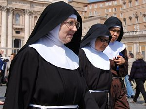 12 09 Nuns Should Given Contraceptive Pills Aid0032