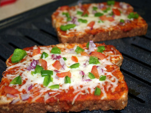 Bread Pizza