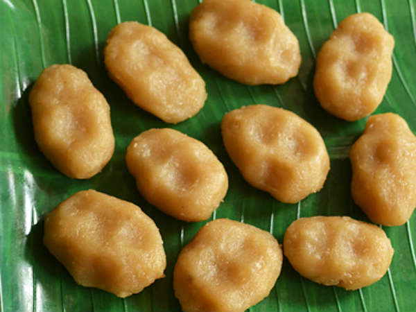 recipe of aval kozhukkatta