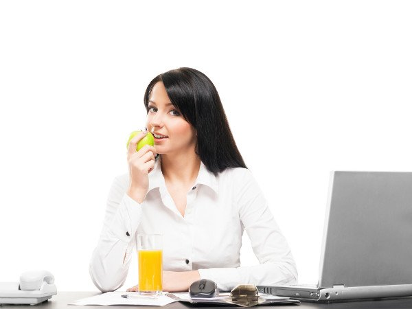 Smart and Easy Ways To Eat Healthy During Office Hours