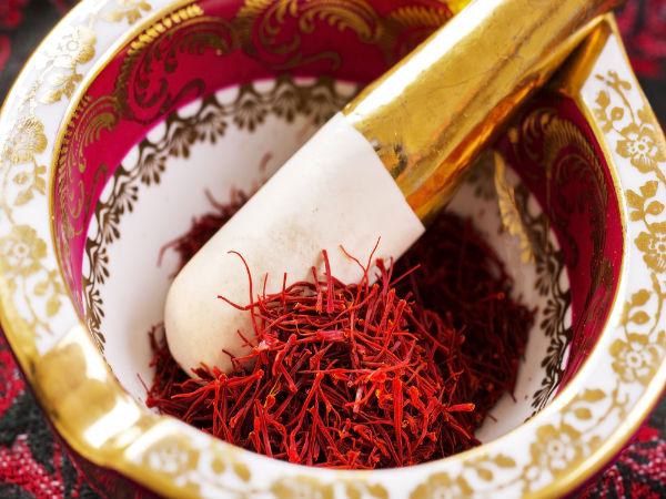 Try This Ayurvedic Home Remedy Using Saffron for heavy periods