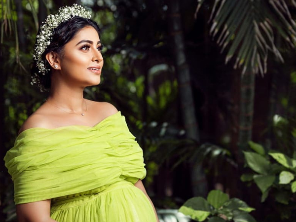 Actress Sneha Maternity Photo Shoot