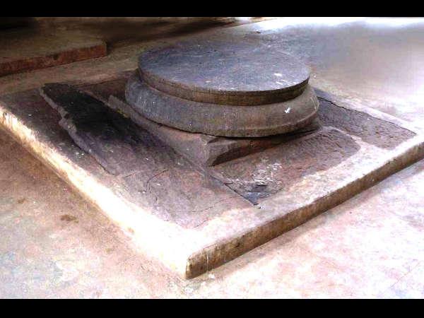 ക്ഷേത്രപ്രദക്ഷിണം; 1പ്രദക്ഷിണം പാപമോക്ഷത്തിന് 3 പ്രദക്ഷിണം ഐശ്വര്യത്തിന്