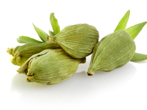 Incredible Health Benefits Of Cardamom Water You Should Know About