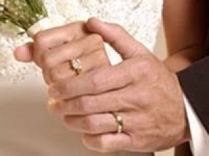 Brit Marriage Depends The Engagement Ring