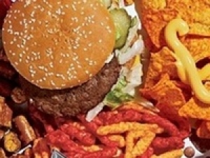 Dieting Tempts You Into Eating Junk Food