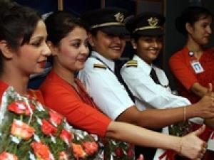 All Women Crew To Fly Plane To Toronto Aid