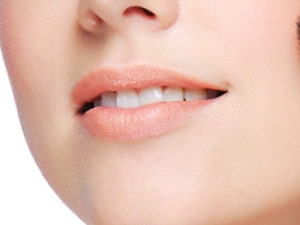 Easy Tips For Red Attractive Lips Aid