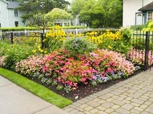 Ways Maintain Flower Garden Aid