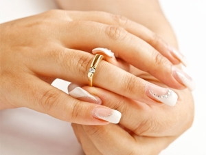 How To Get Remove Ring Marks On Your Fingers