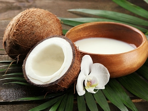 How Delicious Coconut Milk Can Improve Your Health