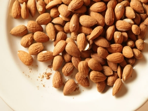 Serious Side Effects Of Almonds
