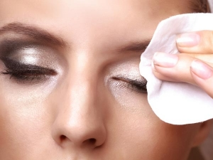 How To Make Homemade Makeup Remover