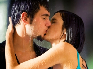 Five Reasons Kissing Is Great For Your Health