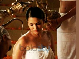 Beauty Benefits Of Bath According To Ayurveda