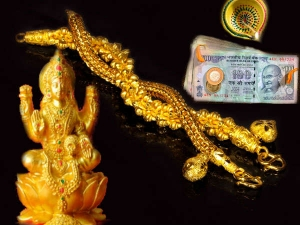 Powerful Mantras To Attract Money And Wealth