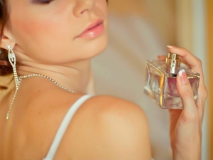 Five Rules To Wear Perfume In Summer