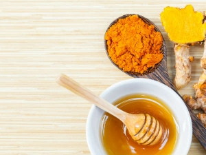 Turmeric Honey Face Mask For Glowing Skin