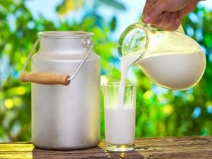 Try This Poppy Seed Nutmeg Milk Remedy For Better Sleep