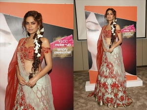 Esha Gupta Slayed The Ramp A Bridal Lehenga