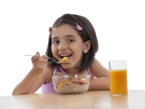 Ten Unhealthy Foods You Should Never Give Your Children