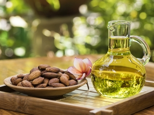 Brilliant Beauty Benefits Of Almond Oil Lemon Mix For Skin