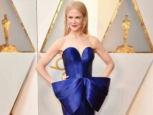 Nicole Kidman Stunning Audience Strapless Blue Gown
