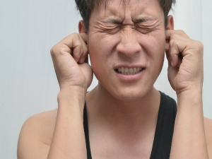 Effective Home Remedies To Remove Ear Wax Safely At Home