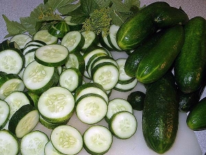 Reasons Why You Should Eat Cucumbers Daily