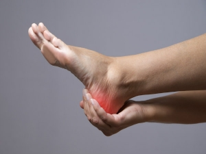 What Causes Swollen Ankle