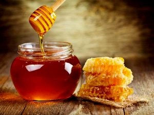 Honey For Skin Fairness