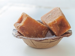 Health Benefits Eating Jaggery After Food