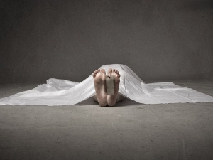 She Kept Her Mother Dead Body Learn About The Different Stages Of Death