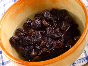 Raisins Boiled Warm Water At Bed Time Benefits