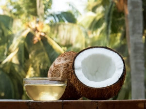 Beauty Benefits Of Using Coconut Water Daily