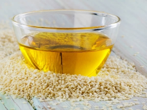 Beauty Benefits Of Face Skin Massage With Sesame Oil At Night