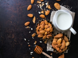 Beauty Benefits Of Milk Soaked Almond