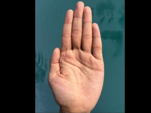 Bad Signs Female Hand Based On Palmistry