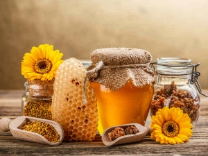 Honey Coconut Water Mix For Skin Care
