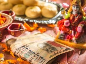 Mahalakshmi Vrata Things To Observe Gain Wealth And Prosperity