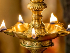 Light Ghee Lamps In Temple Attract Prosperity And Wealth