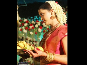 Why Women Should Wear Red Dress During Marriage