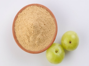 Benefits Of Consuming Amla Powder With Water And Honey