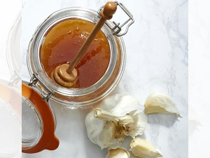 How To Use Onion Juice And Honey For Weight Loss