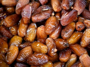 Health Benefits Of Eating Dates In An Empty Stomach