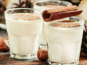 Health Benefits Of Cardamom Milk At Night