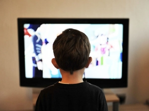 How To Prevent Eye Strain While Watching Tv