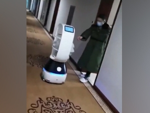 Coronavirus Robots Deliver Food To People Quarantined In China