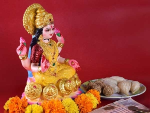 How To Worship Lakshmi For Wealth