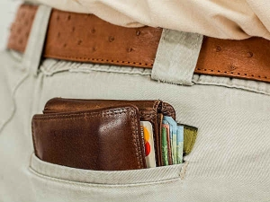 Vastu Tips To Keep Your Wallet Filled With Money